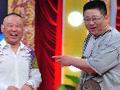 贫嘴张大民的幸福生活15年后再聚首,岳云鹏上演7平米6口人爆笑短剧。
