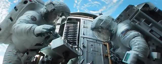 低地球轨道中充斥着各种各样的垃圾,给太空任务带来了严重的威胁。 腾讯太空讯 美国宇航局行政官Charles Bolden上周四在外交关系协会会议上称,更多的国家需要加入到清理太空垃圾的行列,并且投入资金。现在各种各样的物体充斥着地球轨道,有无法运行的太空飞船、被抛弃的运载火箭部件、以及各种碎片,它们以1.