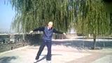 醉了!80岁大爷的广场舞跳的真溜啊!