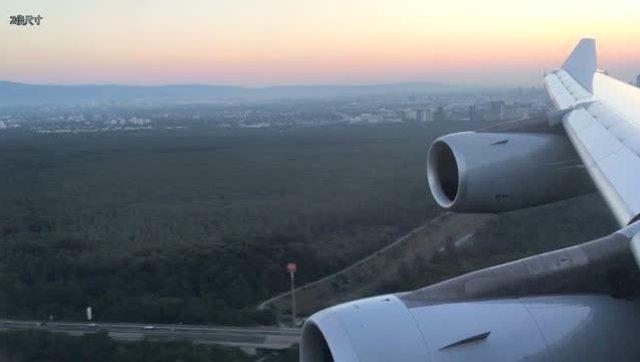 最大的飞机飞行视频展示