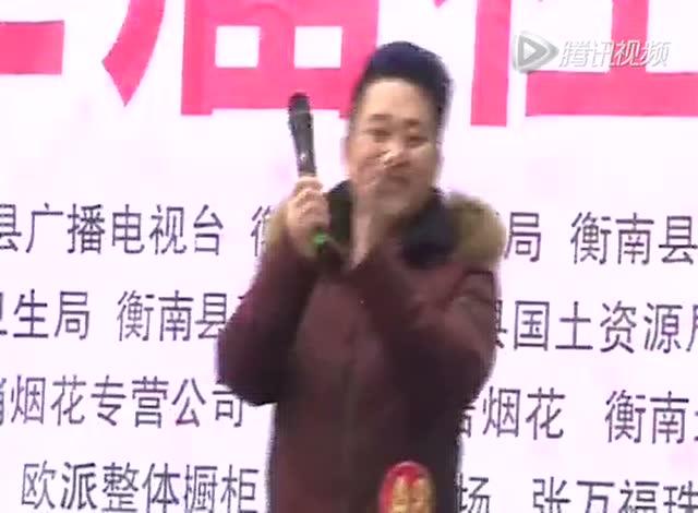 刘军 唱歌 (最美的歌儿唱给妈妈)