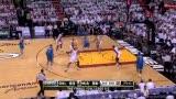 NBA总决赛第六战 马里昂长臂捞球补篮