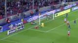 进球视频:梅西比利亚撞墙二过一 小跳蚤戴帽