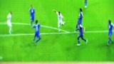 视频:伊瓜因进球效率惊人 或威胁本泽马首发