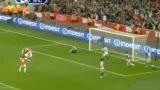进球视频:范佩西垫传助攻 铁卫跟进爆射破门
