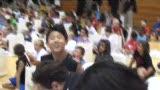 视频:张卫平篮球训练营 最幸运球员谭一龙