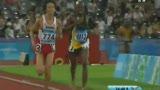 视频:男子万米上演大逆转 领跑者昏倒终点前