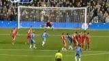 视频:德罗巴任意球擦柱而出 导播误认为进球