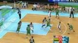 视频:立陶宛选手跳步上篮扳平比分