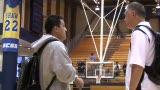 视频:张卫平篮球训练营 张指导高兴打招呼