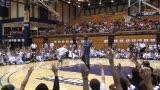视频:张卫平训练营 乔丹与小球员互动投篮