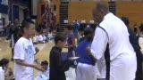 视频:张卫平训练营 获奖球员排队领奖