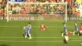 视频:梦剧场草皮不给力 鲁尼瞬间滑倒失点球