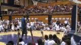视频:张卫平篮球训练营 小球员踊跃举手