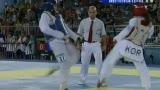 视频:跆拳道女选手彪悍对踢双双倒地