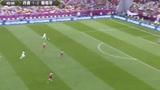视频:C罗单刀赴会推远角 门将飞身将球扑出