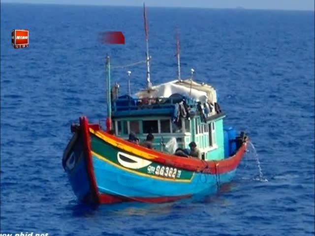 越南称其渔船在西沙遭中国舰船射击起火截图