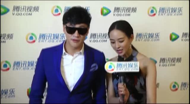北京电影节腾讯独家采访 何润东戴墨镜装盲人截图