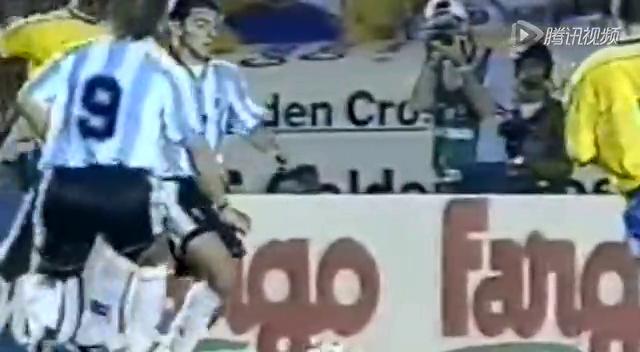 巴西vs阿根廷10大经典对决 梅西帽子戏法绝杀巴西截图