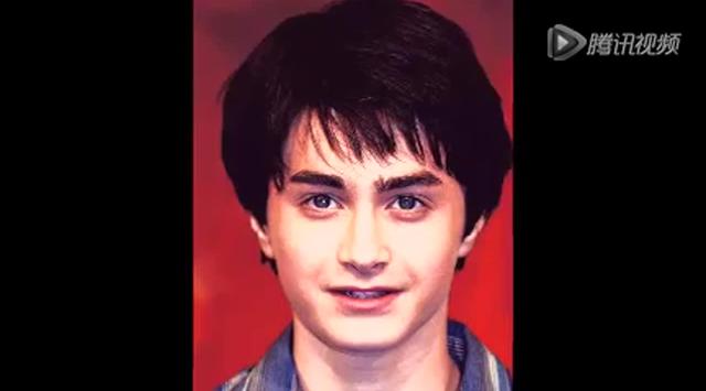 """萌娃""""哈利波特""""变胡渣大叔 25岁丹尼尔脸残衣品高截图"""