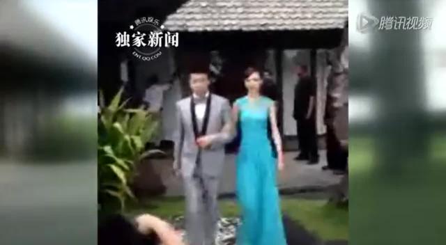 独家:杨幂婚礼开始嘉宾入座 伴娘唐嫣挎伴郎入场截图