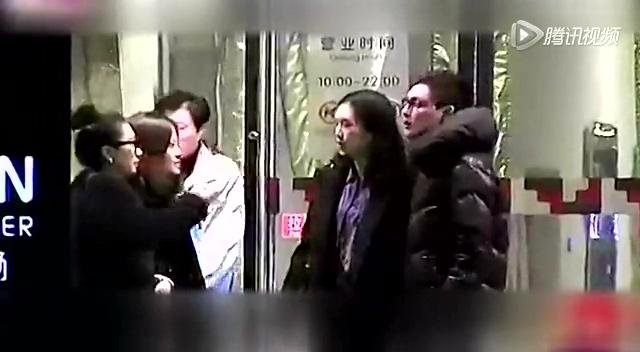 谢晖前妻与小7岁快男车震又开房全程被拍(图)