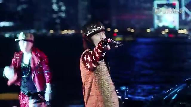 """周杰伦/周杰伦新专辑首发预告MV,疑""""反串""""扮性感女郎泡妞..."""