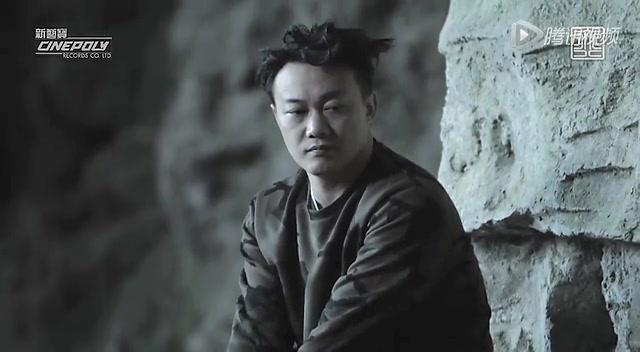 """陈奕迅举办新碟见面会 认证专辑""""重量级""""质感"""
