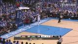 视频:总决赛Ⅰ 詹姆斯发威飞身截球单手爆篮