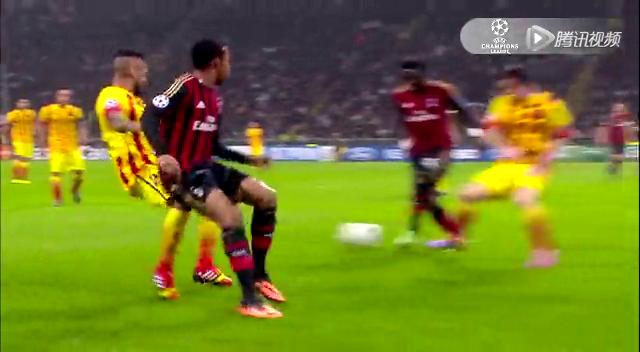 罗比尼奥横向带球直塞 蒙塔里推射被判越位截图
