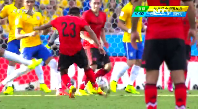 全场集锦:巴西0-0墨西哥 奥乔亚表现神勇截图