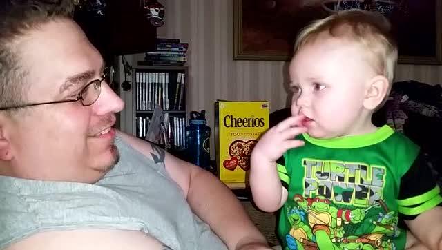 视频合集:可爱宝宝们发出的有趣声音