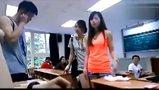 座位学霸用卫生巾占美女大臀美女美视频胸图片
