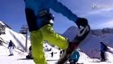 夏雨索契单板滑雪畅玩 身姿帅气技术娴熟