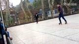 李小轩遵义公园现场学溜冰QQ:898067186
