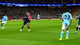 阿圭罗前场得球起脚爆射高出 曼城下半场开场攻势凶