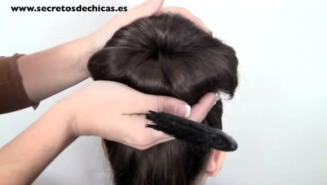 苹果丸子头编发教程,圣诞节最漂亮的发型!图片