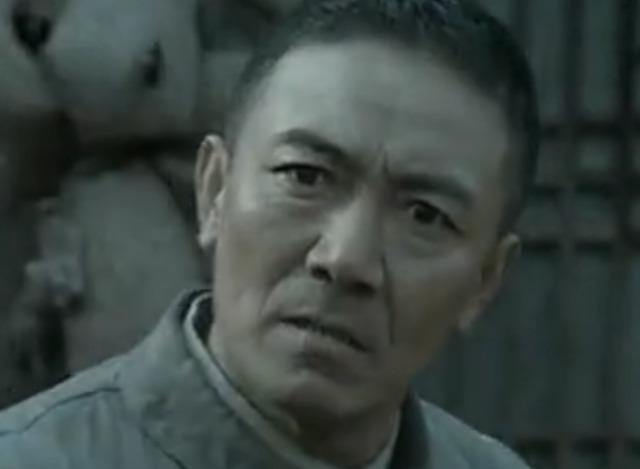 难怪楚云飞会被打败这段李云龙战术上就提现出天才般-李云龙