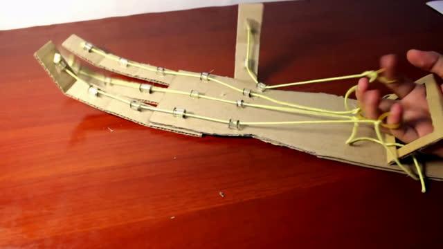 技术宅 创意手工 diy:如何制作一只简易的纸质机械手