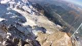视频:男子阿尔卑斯山翼装飞行 不幸撞树坠毁