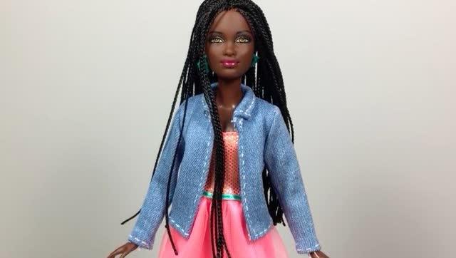 给芭比娃娃做一套休闲装(卫衣,裤子,帽子,围巾做法)