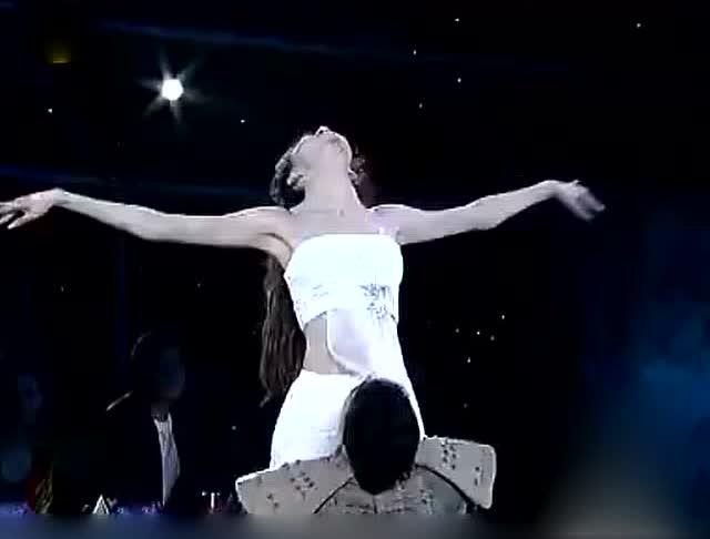 刘雨欣带伤演绎舞蹈《花木兰》配音和舞姿太好看了吧