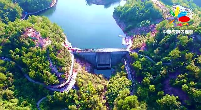湖南岳阳平江石牛寨景区 高空玻璃桥惊险刺激