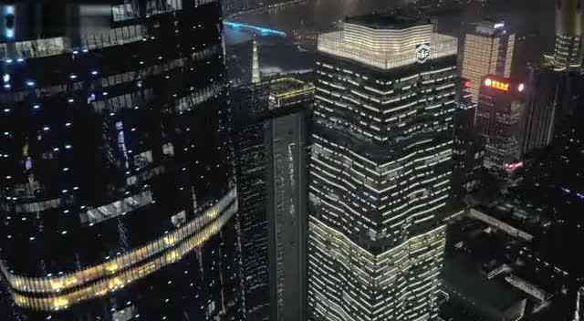 航拍广州夜色,中国第三大城市真的很繁华