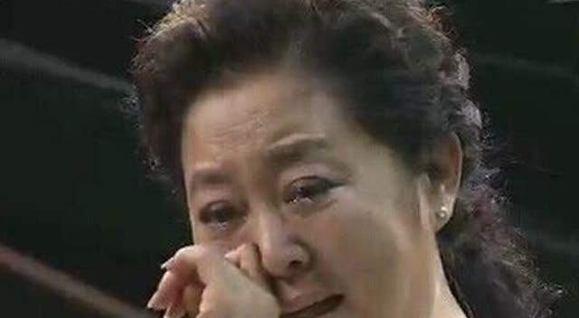 《等着我》12岁男孩登台寻找亲生妈妈,门一打开心酸落泪