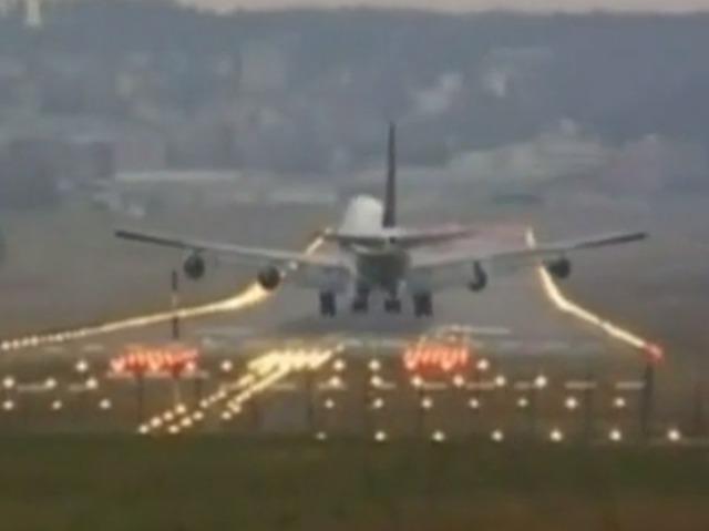 那些年飞机降落过程中的生死瞬间!