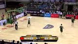 视频:陶汉林篮下脚步灵活 晃开对手上篮得分