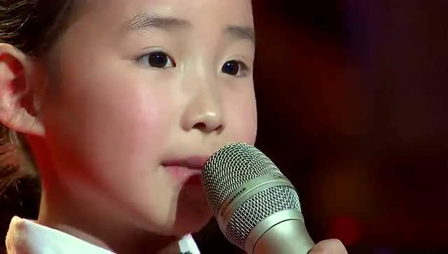 小女孩演唱《我的中国心》又萌又可爱
