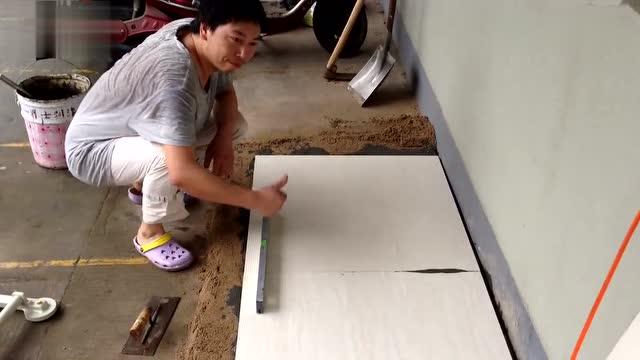 老师傅教你怎么贴地砖才没有空鼓,不然只有返工浪费金钱和时间