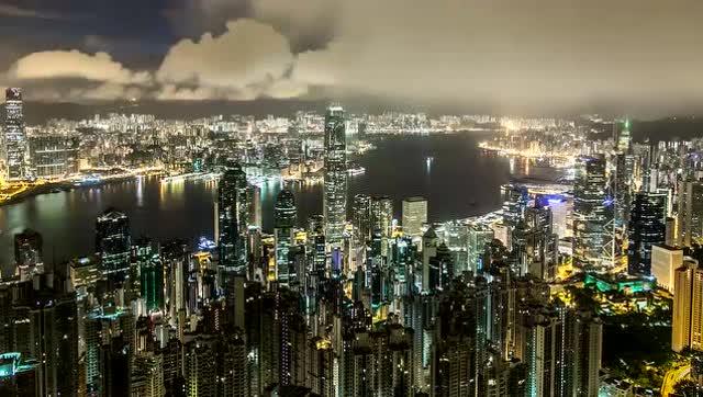 上帝视角4k航拍香港城门水塘,领略中国香港的美 值得一去